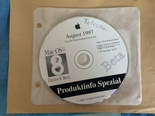Produktinfo Spezial August 1997 (Includes German Mac OS 8 Beta 2) (1997)